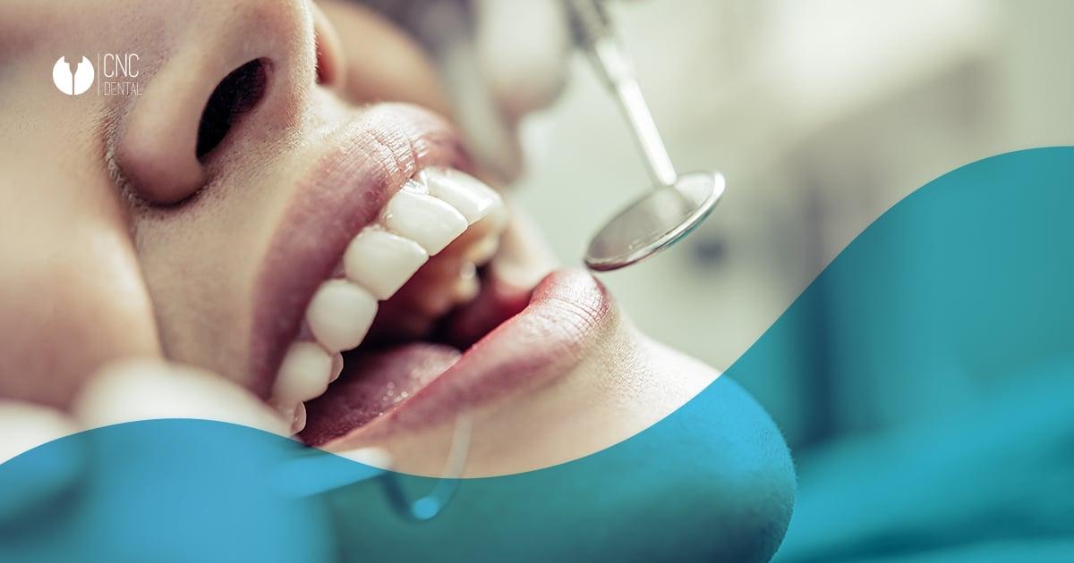 ¿Sabes que tu salud bucodental tiene un impacto directo en tu salud mental? Aquí te vamos a explicar los beneficios de las prótesis dentales